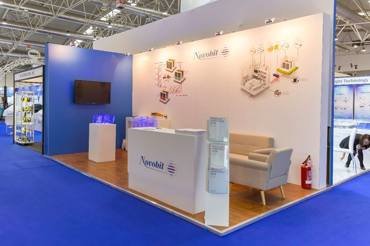 Modular Stand for Novobit by Quad Display